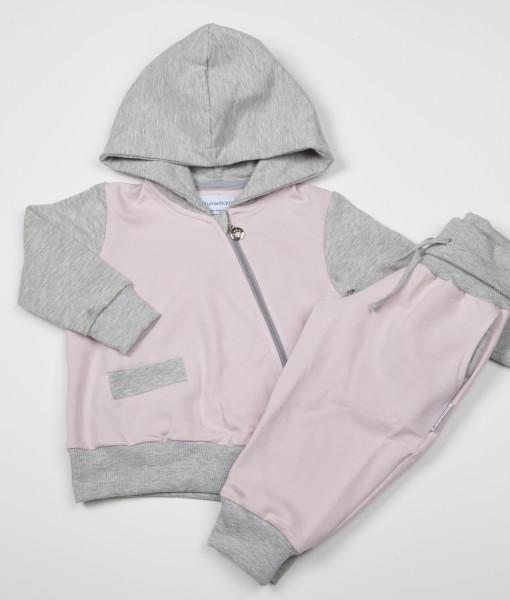 Rosa genser med rosa bukse
