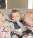 Tre heldresser i sofa 2
